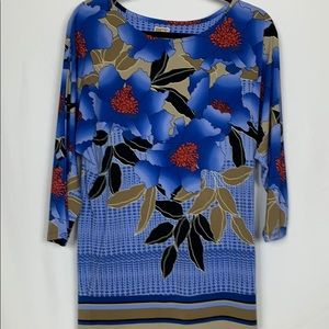 JM collection size Small blue flowered top